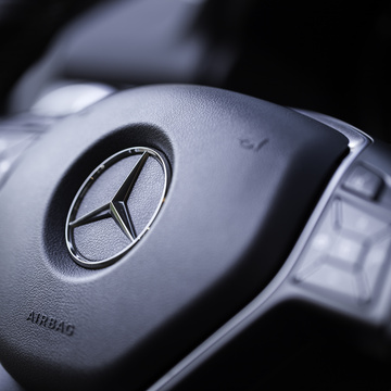 Mercedes-Benz races into the cloud for smoother online journeys