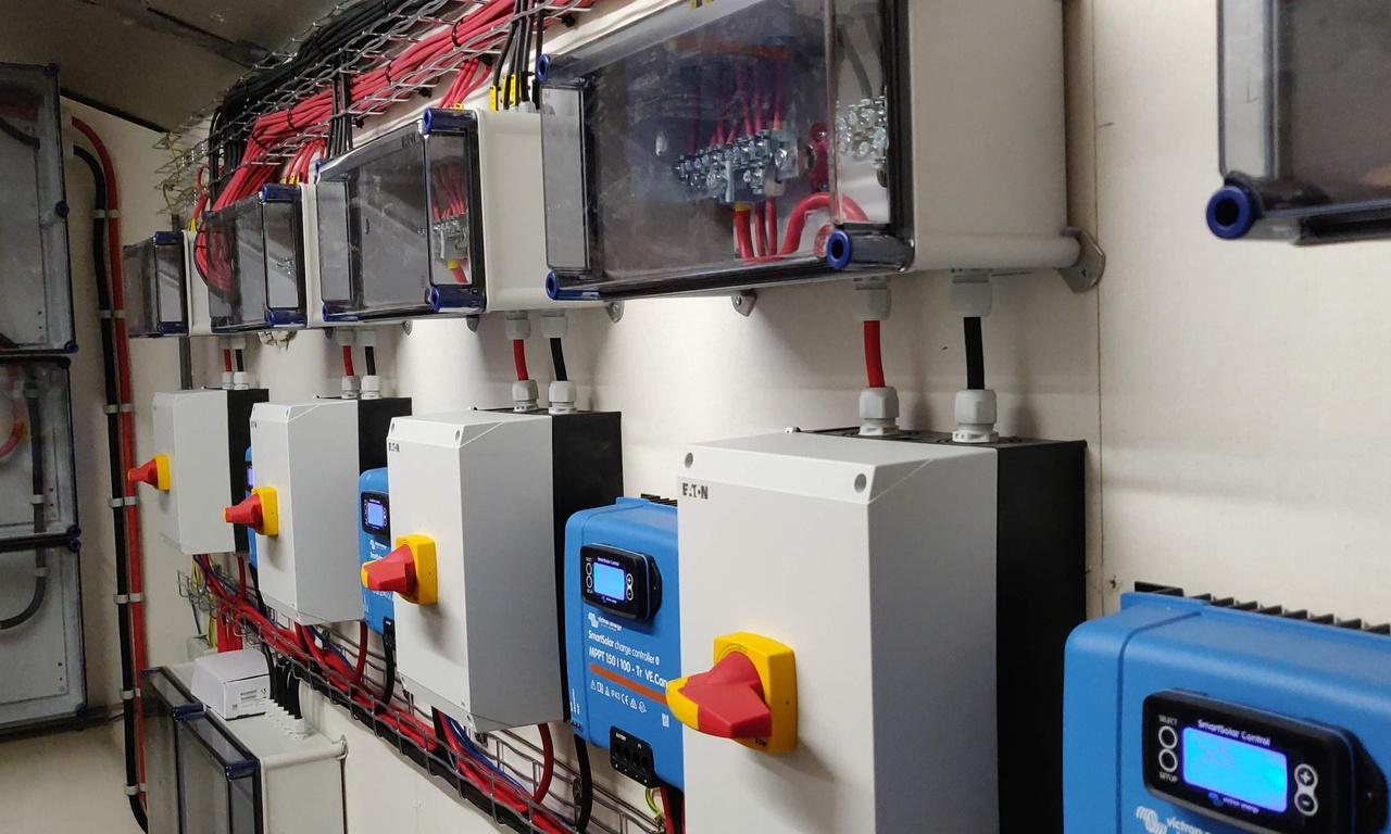 Victron off-grid installatie 3x15kVA