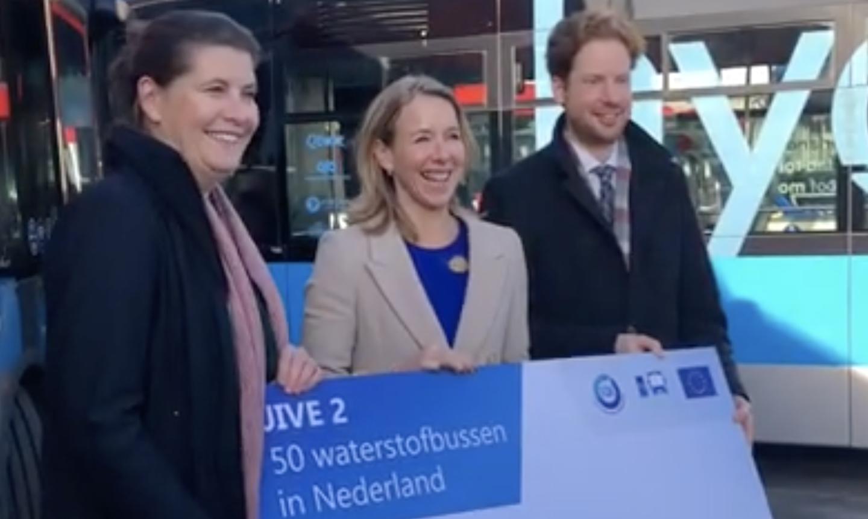 Ondertekening convenant 50 waterstofbussen
