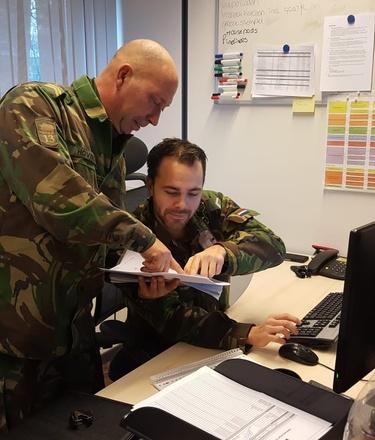 Militaire administratie aan het werk